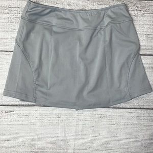 NWOT NO Brand Grey tennis skirt size Small